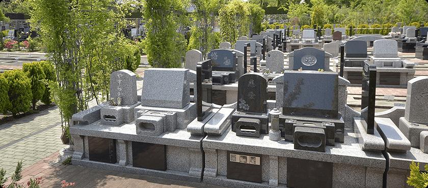 現地の風景:墓石