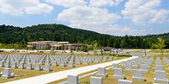 緑地付墓地または芝生墓地がある